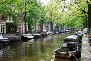 place-2014-12-11-6-amsterdamcanals168cce0bec18ddf13bd54d6f789aac21